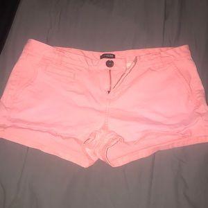 Express Shorts - Light pink/peach shorts